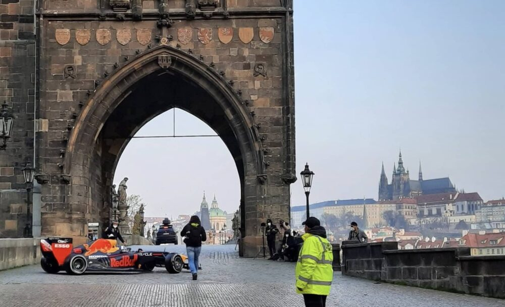 Formule 1 zavítala do Prahy.